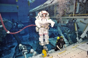 divers and astronauts